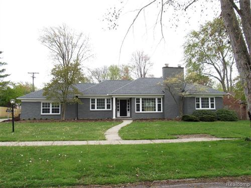 Photo of 18135 DUNBLAINE AVE, Beverly Hills, MI 48025-3111 (MLS # 40052053)