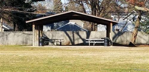Tiny photo for 1086 W LEWISTON AVE, Ferndale, MI 48220-1286 (MLS # 40124054)