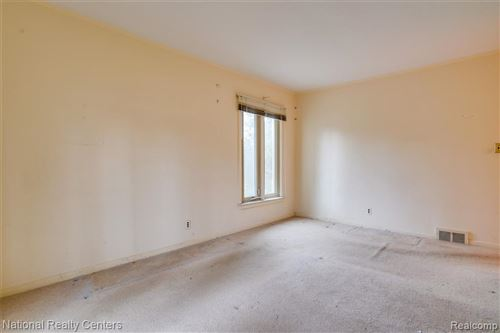 Tiny photo for 6584 VALLEY SPRING RD, Bloomfield Hills, MI 48301-2839 (MLS # 40126055)