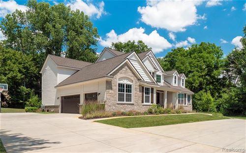 Photo of 25820 W 14 MILE RD, Bloomfield Hills, MI 48301-3660 (MLS # 40133057)