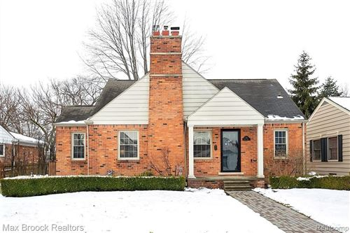 Photo of 739 NOTRE DAME ST, Grosse Pointe, MI 48230-1239 (MLS # 40025058)