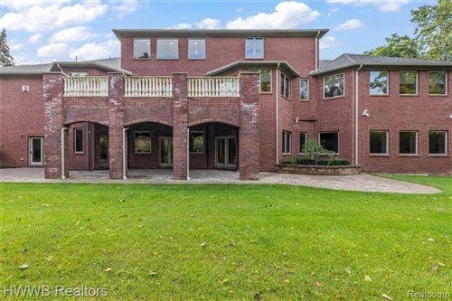 Tiny photo for 1346 N CARILLON CRT, Bloomfield Township, MI 48302-1907 (MLS # 40223069)