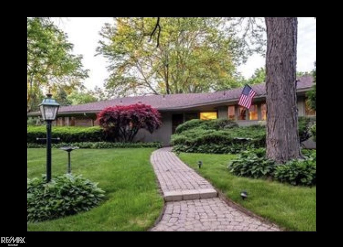Photo for 6755 Old Creek Rd, Bloomfield Township, MI 48301-3133 (MLS # 50026070)