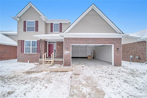 Photo of 12289 LINCOLNSHIRE, Sterling Heights, MI 48312- (MLS # 40027074)