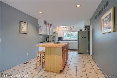 Tiny photo for 5144 HOLLOW CRT, Bloomfield Hills, MI 48302-2504 (MLS # 40244087)