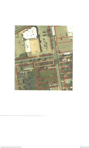 Photo of 1500 GARFIELD ST, Port Huron, MI 48060- (MLS # 21451088)