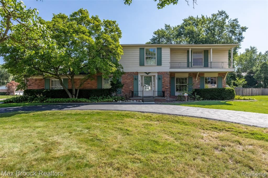 Photo for 31330 CLINE DR, Beverly Hills, MI 48025-5231 (MLS # 40095088)
