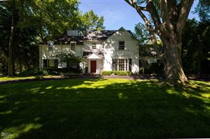 Photo of 1017 Buckingham Rd, Grosse Pointe Park, MI 48230 (MLS # 31385096)