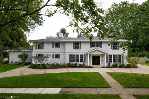 Photo of 55 Stephens Rd, Grosse Pointe Farms, MI 48236 (MLS # 50003098)