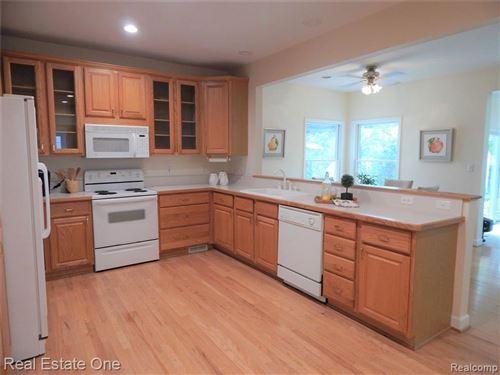 Tiny photo for 67 DEVONSHIRE RD, Pleasant Ridge, MI 48069-1210 (MLS # 40233101)