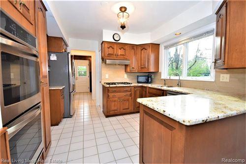 Tiny photo for 2972 N WESTVIEW CRT, Bloomfield Hills, MI 48304-1962 (MLS # 40124105)