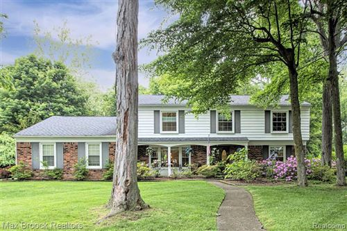 Photo of 22542 FIDDLERS COVE RD, Beverly Hills, MI 48025-3603 (MLS # 40185106)