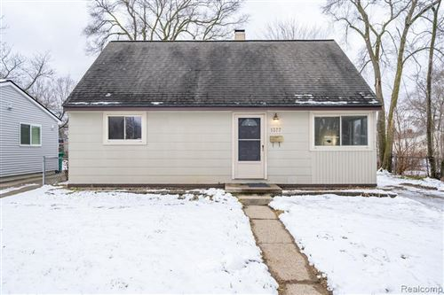 Photo of 1377 HUNTER AVE, Ypsilanti, MI 48198-3156 (MLS # 40136108)