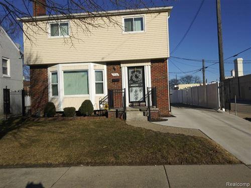 Photo of 17126 ANNCHESTER RD, Detroit, MI 48219-3560 (MLS # 40149112)