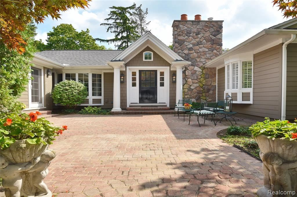 Photo for 19669 RIVERSIDE DR, Beverly Hills, MI 48025-2959 (MLS # 30772113)