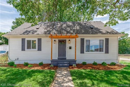 Photo of 1737 LEROY ST, Ferndale, MI 48220-3147 (MLS # 40076115)
