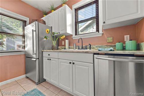 Tiny photo for 54 WOODWARD HEIGHTS BLVD, Pleasant Ridge, MI 48069-1247 (MLS # 40110120)