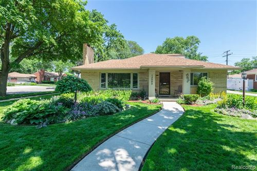 Photo of 13240 NORTHFIELD BLVD, Oak Park, MI 48237-1642 (MLS # 40004129)