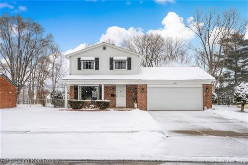 Photo of 41058 HAMILTON DR, Sterling Heights, MI 48313-3033 (MLS # 40026129)