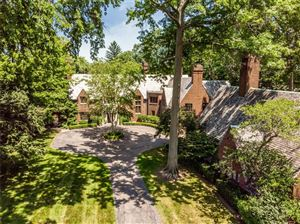 Photo of 330 PROVENCAL RD, Grosse Pointe Farms, MI 48236-2959 (MLS # 21533130)