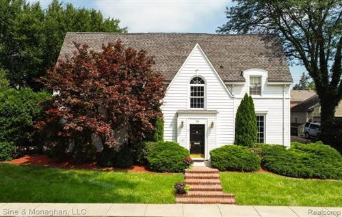 Photo of 36 COLONIAL RD, Grosse Pointe Shores, MI 48236-1720 (MLS # 40003133)