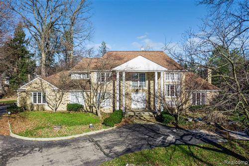 Photo of 90 QUARTON LN, Bloomfield Hills, MI 48304-3456 (MLS # 40132136)