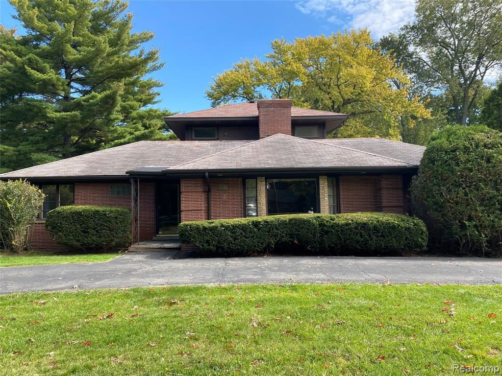 Photo for 30386 EMBASSY ST, Beverly Hills, MI 48025-5022 (MLS # 40111148)