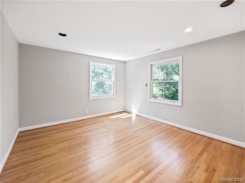 Tiny photo for 3837 TOP VIEW CRT, Bloomfield Hills, MI 48304-3157 (MLS # 40137154)