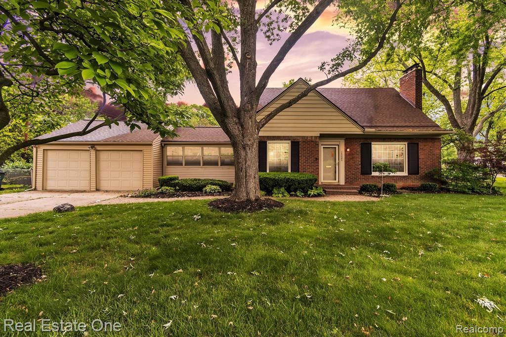 Photo for 16020 BEVERLY RD, Beverly Hills, MI 48025-4259 (MLS # 40243161)
