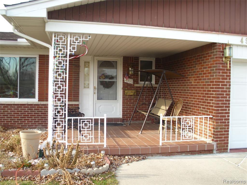 Photo of 4900 KADENA CRT, Sterling Heights, MI 48310-4639 (MLS # 40008170)