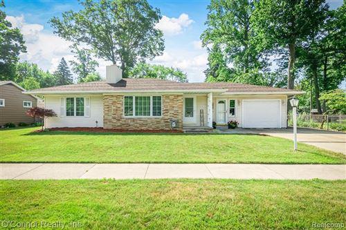 Photo of 753 WASHINGTON BLVD, Marysville, MI 48040-1659 (MLS # 40074172)