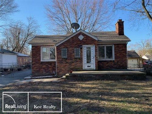 Photo of 21810 Maxine St, Saint Clair Shores, MI 48080 (MLS # 50006177)