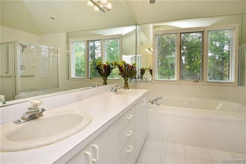 Tiny photo for 844 ADAMS CRT, Bloomfield Hills, MI 48304-3703 (MLS # 40245182)