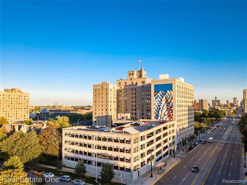 Photo of 15 E KIRBY ST APT 815, Detroit, MI 48202-4091 (MLS # 40244183)