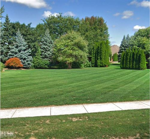 Photo of 00 Silent Woods, Shelby Township, MI 48315 (MLS # 50018188)
