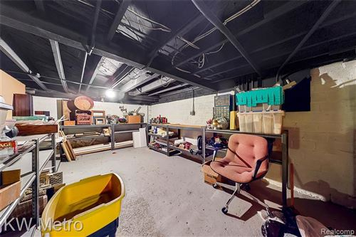 Tiny photo for 1000 ALLEN ST, Ferndale, MI 48220-2482 (MLS # 40102194)