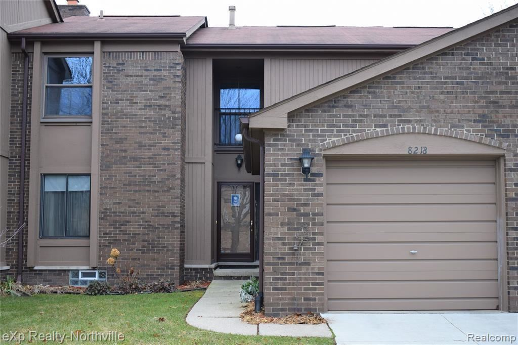 Photo of 8218 CLAY CRT, Sterling Heights, MI 48313-4602 (MLS # 40017194)