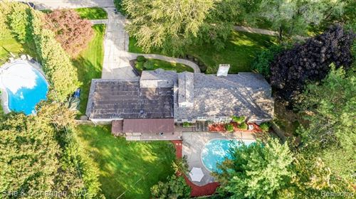 Tiny photo for 32863 BALMORAL ST, Beverly Hills, MI 48025-3008 (MLS # 40112212)