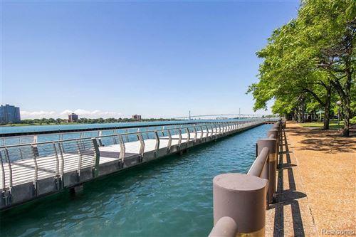 Tiny photo for 1001 W JEFFERSON AVE, Detroit, MI 48226-4508 (MLS # 40069214)