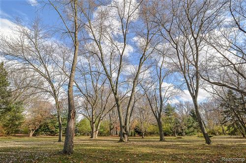 Tiny photo for 6565 INDIANWOOD TRAIL, Bloomfield Hills, MI 48301-2964 (MLS # 40125215)