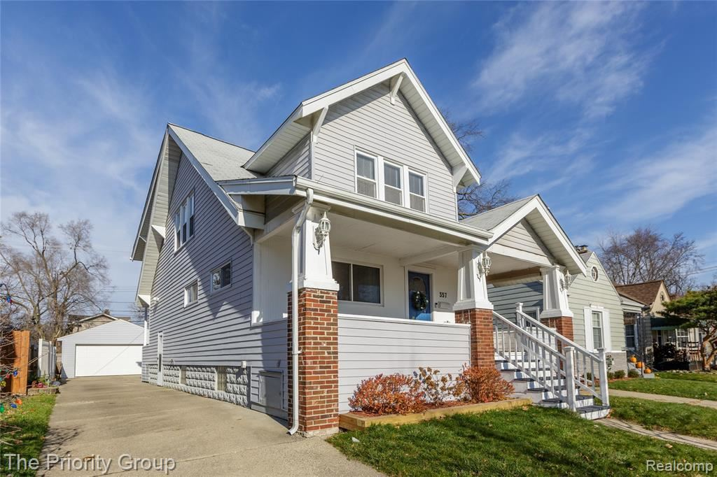 Photo for 357 E WOODLAND ST, Ferndale, MI 48220-3709 (MLS # 40130223)