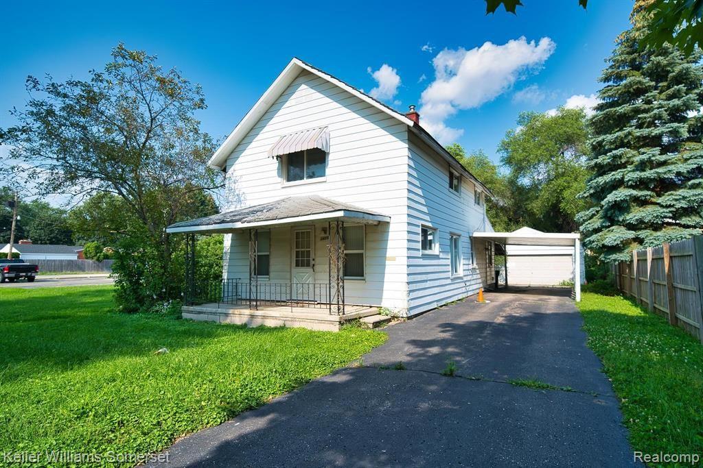 Photo for 3420 FAIRMONT RD, Royal Oak, MI 48073-6402 (MLS # 40201224)
