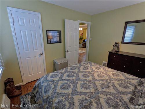 Tiny photo for 4710 GROVELAND AVE, Royal Oak, MI 48073-1553 (MLS # 40136228)