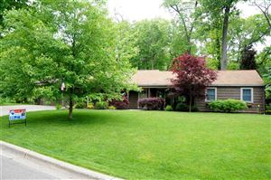 Photo of 908 BRIARCLIFF RD, Jackson, MI 49203- (MLS # 21558230)