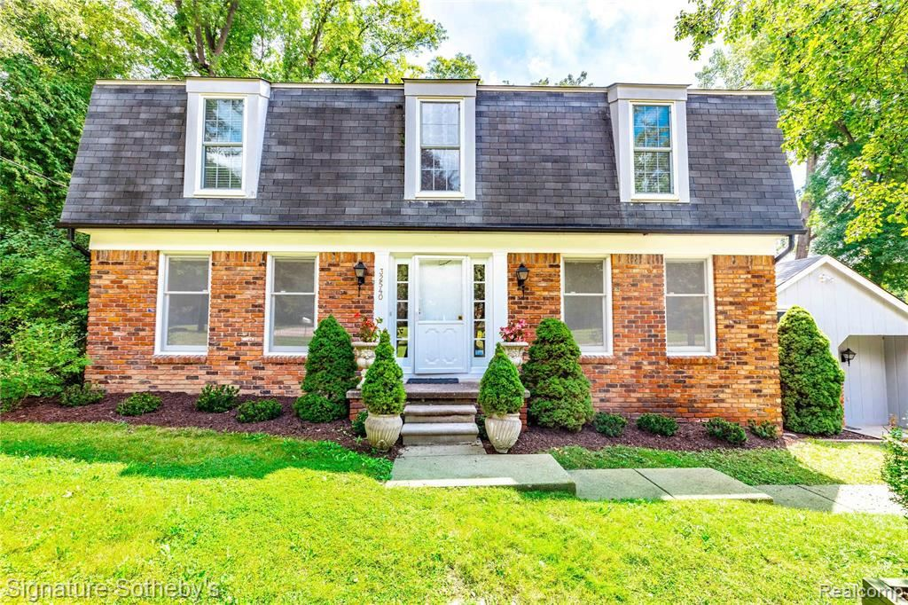 Photo for 32540 NORWOOD DR, Beverly Hills, MI 48025 (MLS # 40239230)