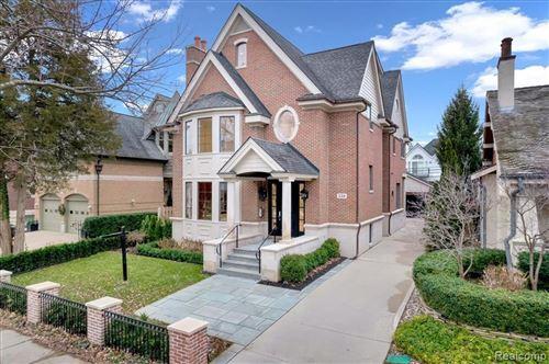 Photo of 550 HENRIETTA ST, Birmingham, MI 48009-1453 (MLS # 40245234)