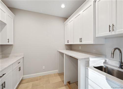 Tiny photo for 30 ORCHARD LN, Bloomfield Hills, MI 48304-3455 (MLS # 40037245)