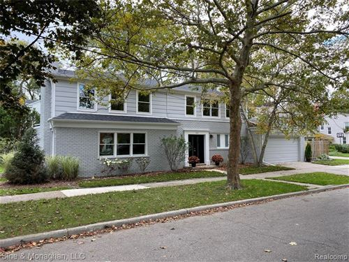 Photo of 343 MOSELLE PL, Grosse Pointe Farms, MI 48236-3307 (MLS # 30775261)