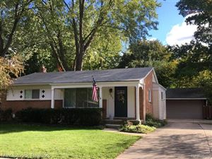 Photo of 257 WINRY DR, Rochester Hills, MI 48307-1161 (MLS # 30776261)