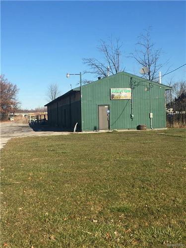Photo of 3302 PETIT ST, Port Huron, MI 48060-4737 (MLS # 21549263)